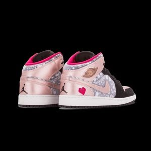 edc6698eca3f Jordan Shoes - Rose Gold Jordans